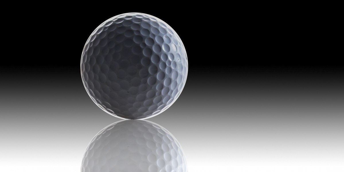 Graphic of a golf ball with reflection